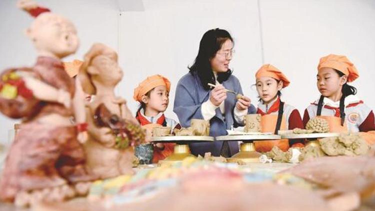 淄博陶艺进课堂 感受、传承传统文化