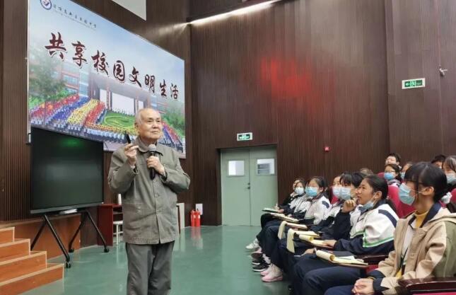 4位科学家送36场科普讲座进淄博校园