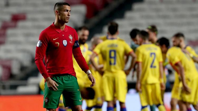 C罗头槌破门 葡萄牙7-0狂胜