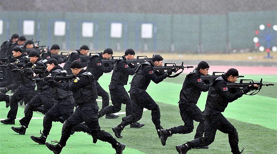 济南举行公安干警实战大练兵
