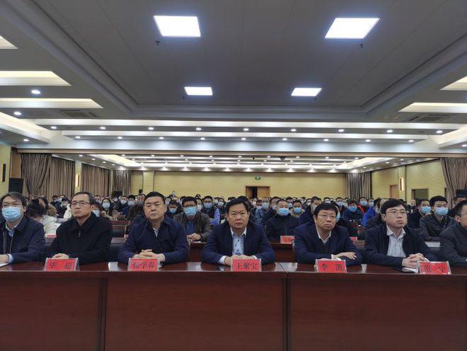 淄博高新区开展建设领域污染专项整治行动 签下承诺书工地防扬尘