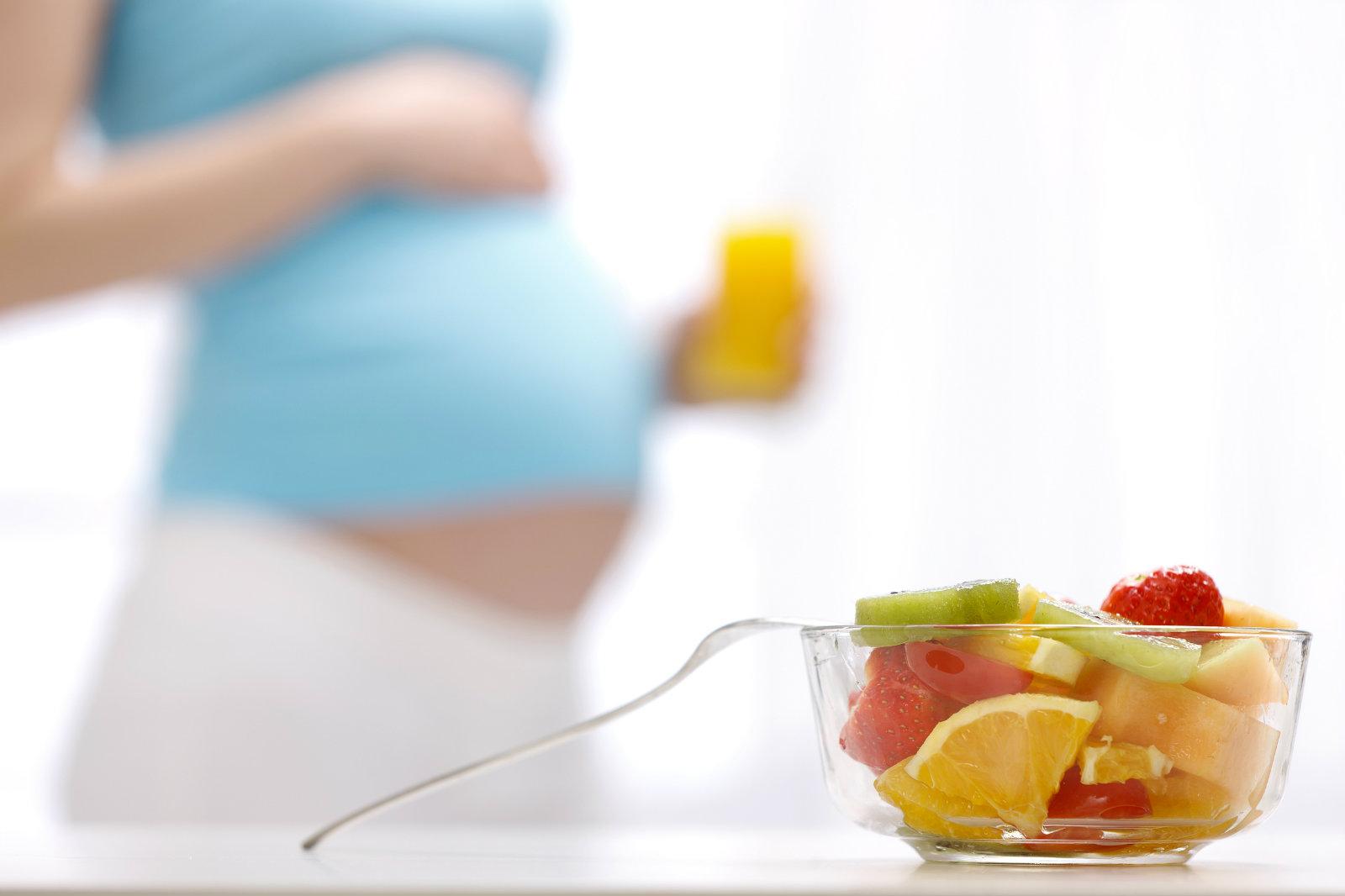 吃素很难营养均衡,孕妇孩子不宜食素