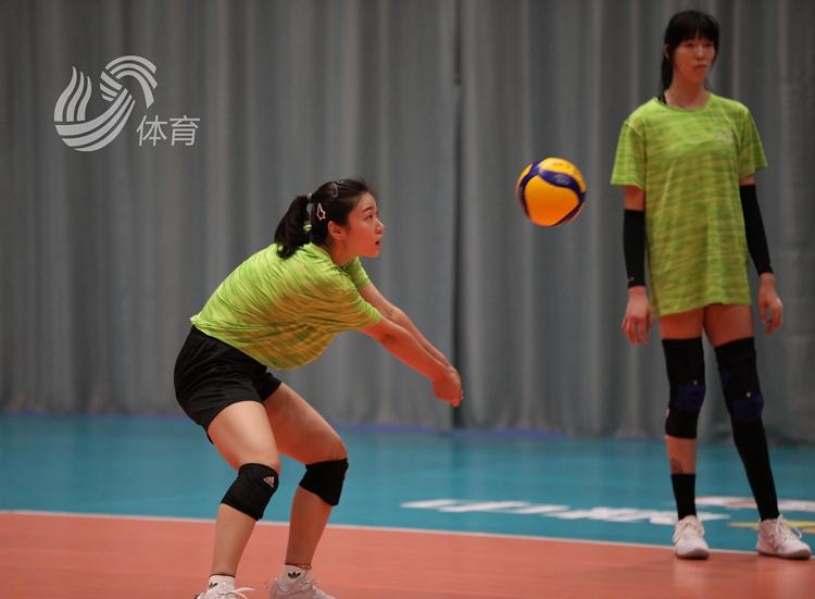 山东女排今晚八强赛首战江苏 主帅李岩龙:摆正位置力拼对手