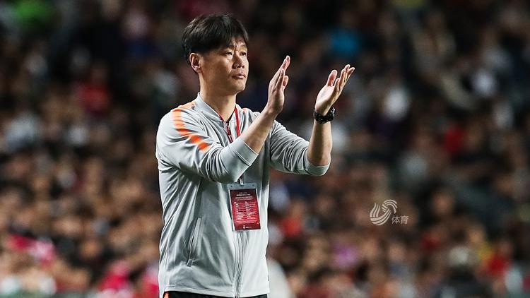 曝李霄鹏确认离开鲁能 新赛季或将执教武汉卓尔