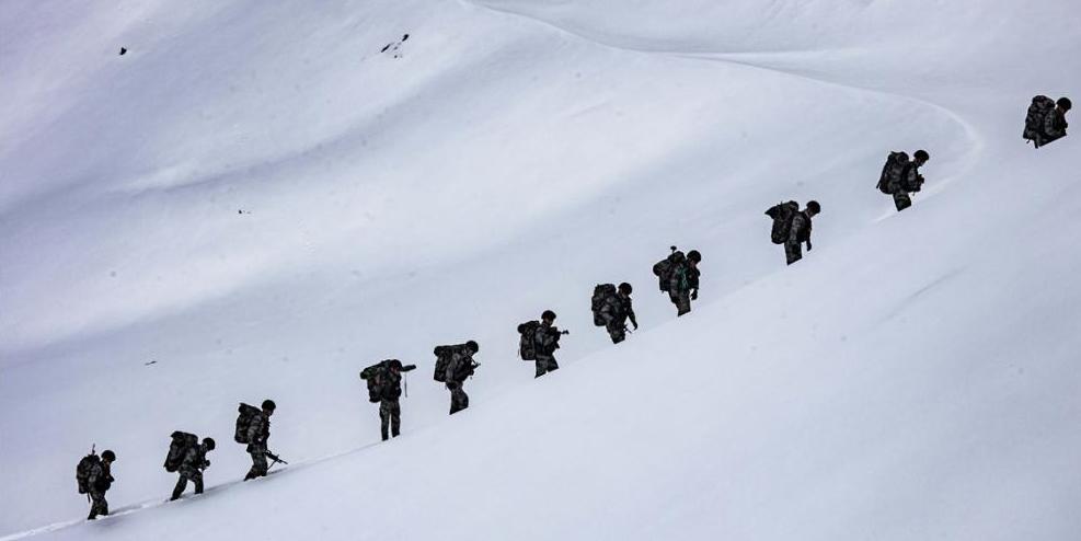 【军旅镜头2020】雪海云天里的无声冲锋