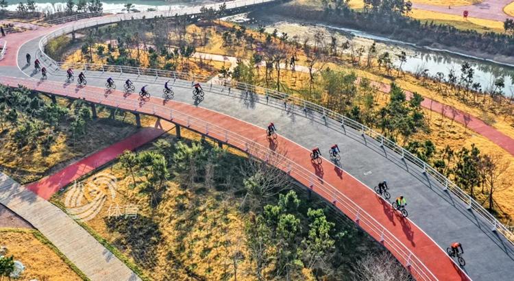 """2021年日照市庆元旦""""阳光海岸绿道""""骑行赛成功举行"""