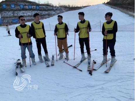 掀起冬季健身新热潮!泉城冰雪嘉年华惠民活动火热开展