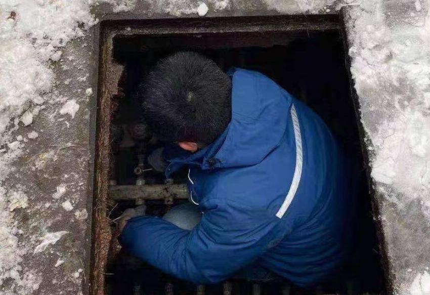 凛冽寒风中,战低温保供水,他们用体温温暖着城市的供水脉管!