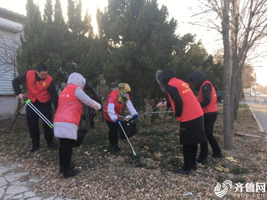 志愿者开展志愿服务