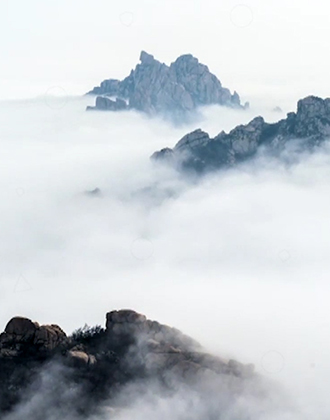 """真·海上仙山!崂山巨峰现腊月罕见""""平流雾"""""""