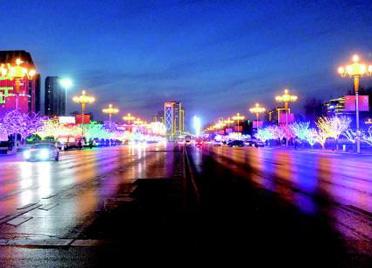 潍坊市人民广场:溢彩流光迎新春