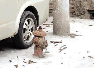 潍坊城区多个路段消火栓腐蚀破损 市民盼维修