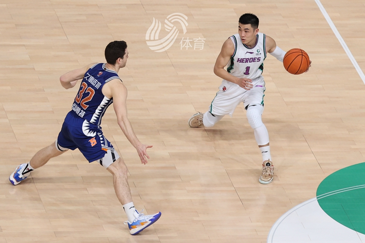 四人得分上双!山东男篮98-88战胜上海取得两连胜