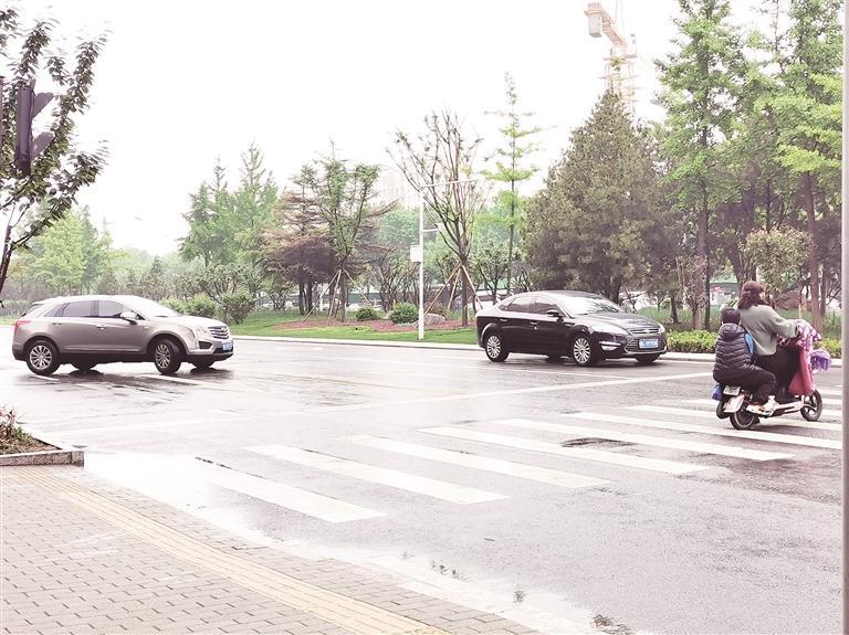 """礼让斑马线丨淄博:城市因文明更有""""温度"""""""