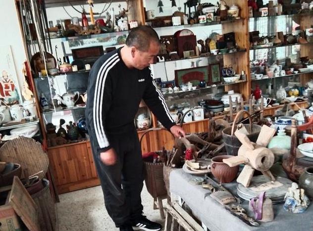 枣庄市中区开大巴的杨师傅迷上收藏乐此不疲