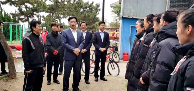 国家体育总局副局长李建明一行到山东水上中心考察