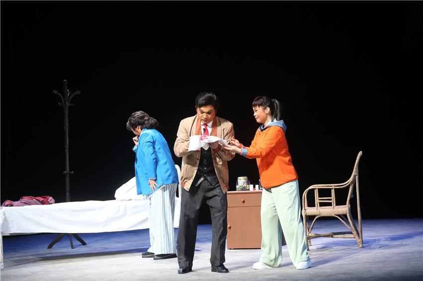 山东梆子现代戏《孔繁森》聊城首演