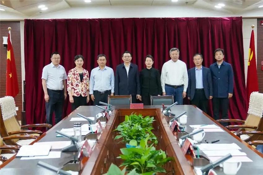 山东省文化和旅游厅与十二师举行对口支援战略合作签约仪式