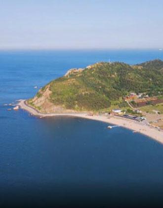 藍天碧海、風光旖旎!航拍感受煙臺長島夏日魅力