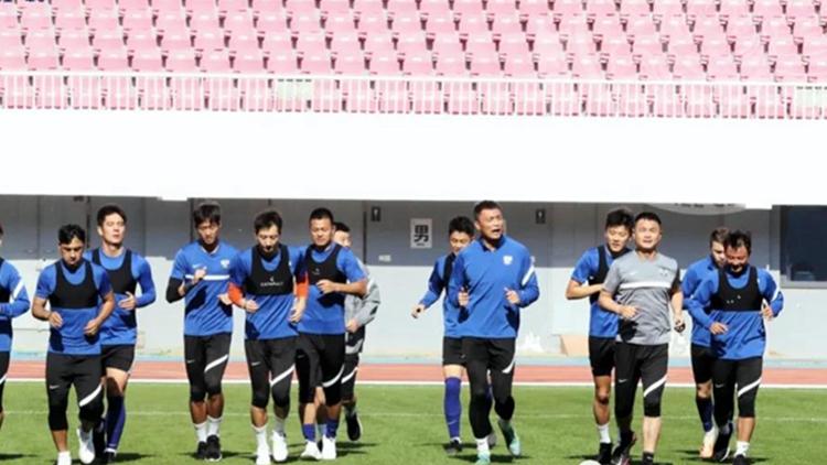 再度集結!青島足球隊全力備戰聯賽第二階段