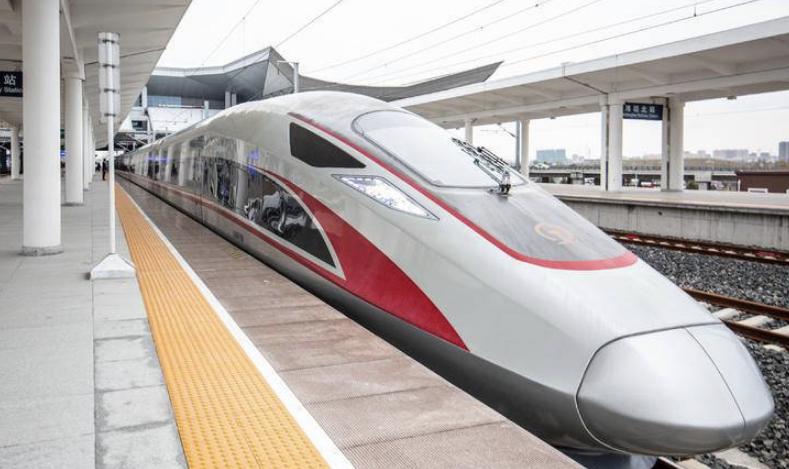 """城际列车""""加码"""",""""轨道上的胶东半岛""""加速"""