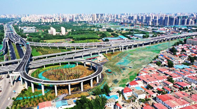 济宁内环高架南张互通立交北向东匝道通车