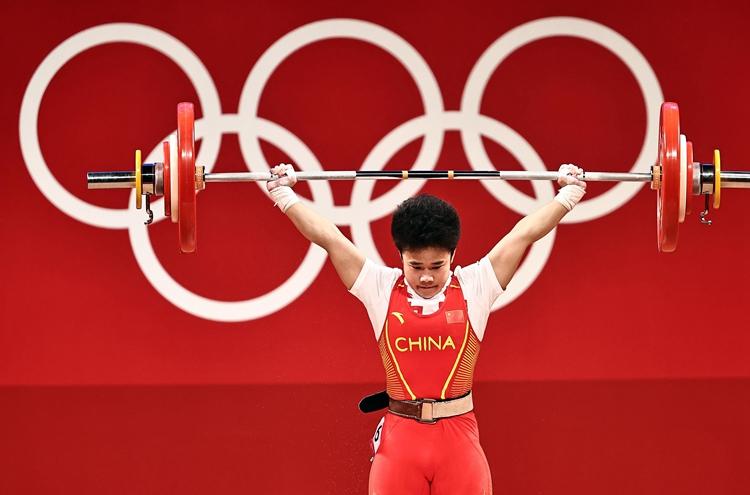 《【迅达娱乐怎么代理】奥运战报丨中国第二金!女子举重49公斤级选手侯志慧创奥运纪录夺冠》