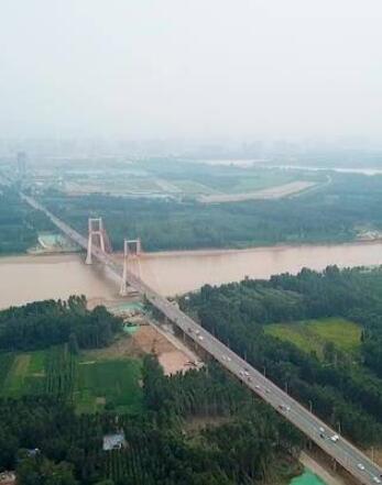 航拍|北跨进行中!齐鲁黄河大桥吊索安装完成