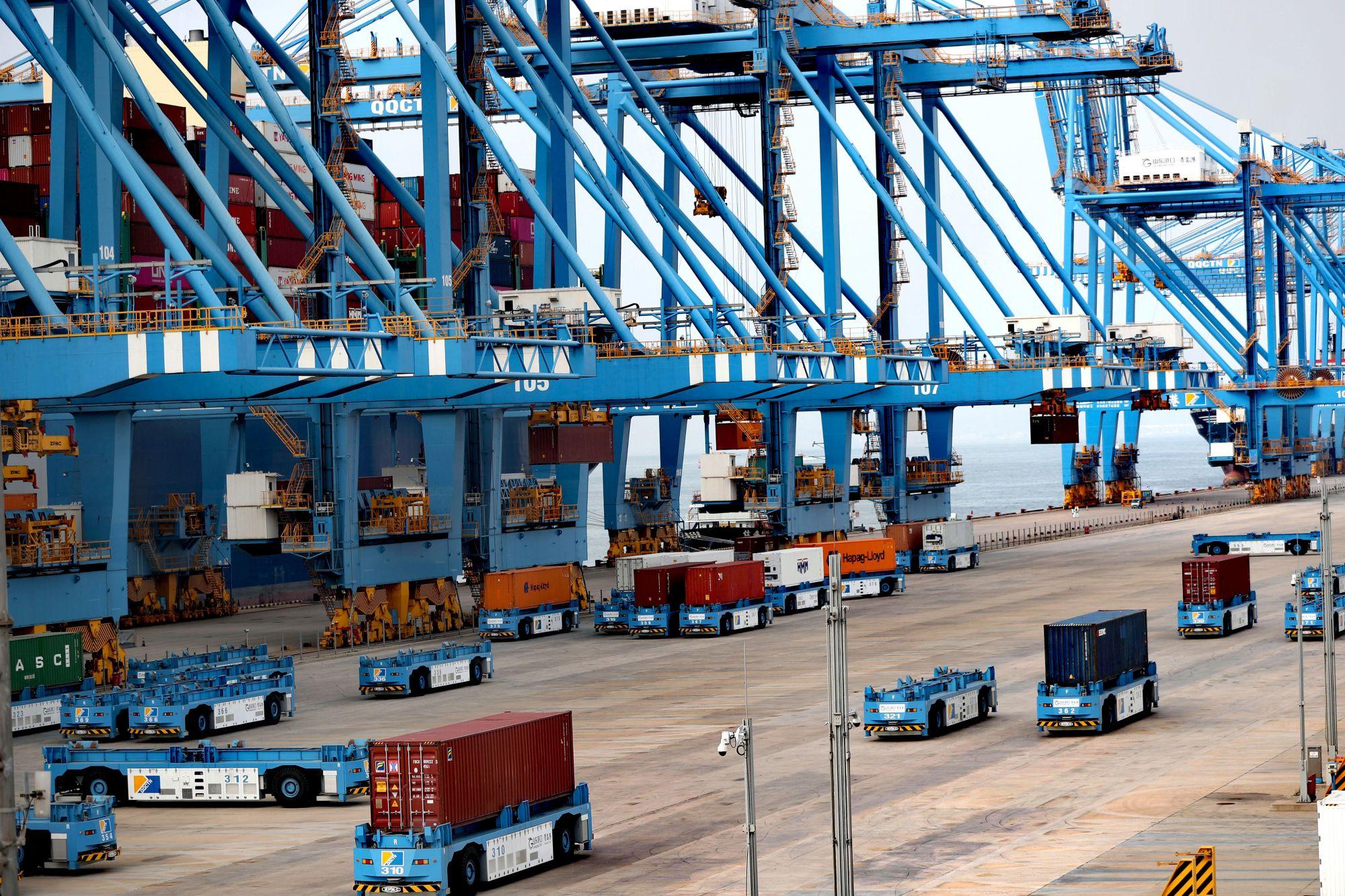 青岛港港口自动化刷新世界新纪录