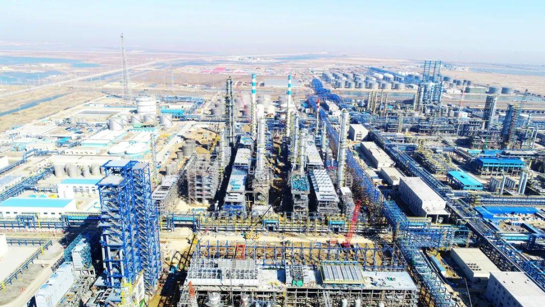 """东营港经济开发区威联化学250万吨/年PTA项目:月底完成钢结构搭建 项目""""初具雏形"""""""
