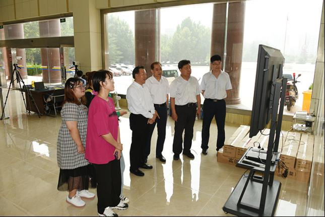 潍坊学院喜迎2021级新生1439