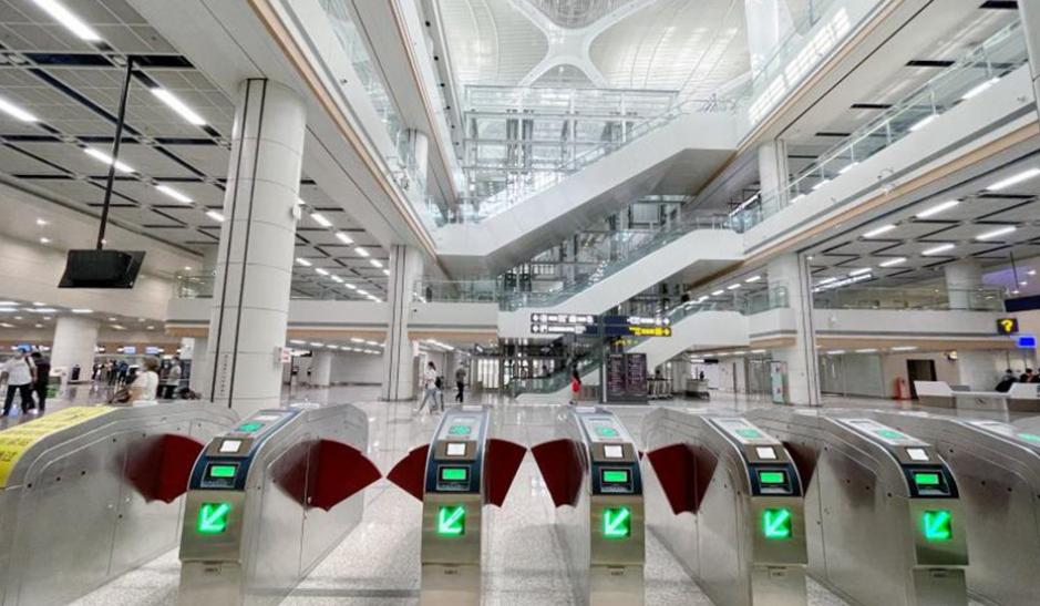 累计载客三十余万人 地铁胶东机场站客流再攀升