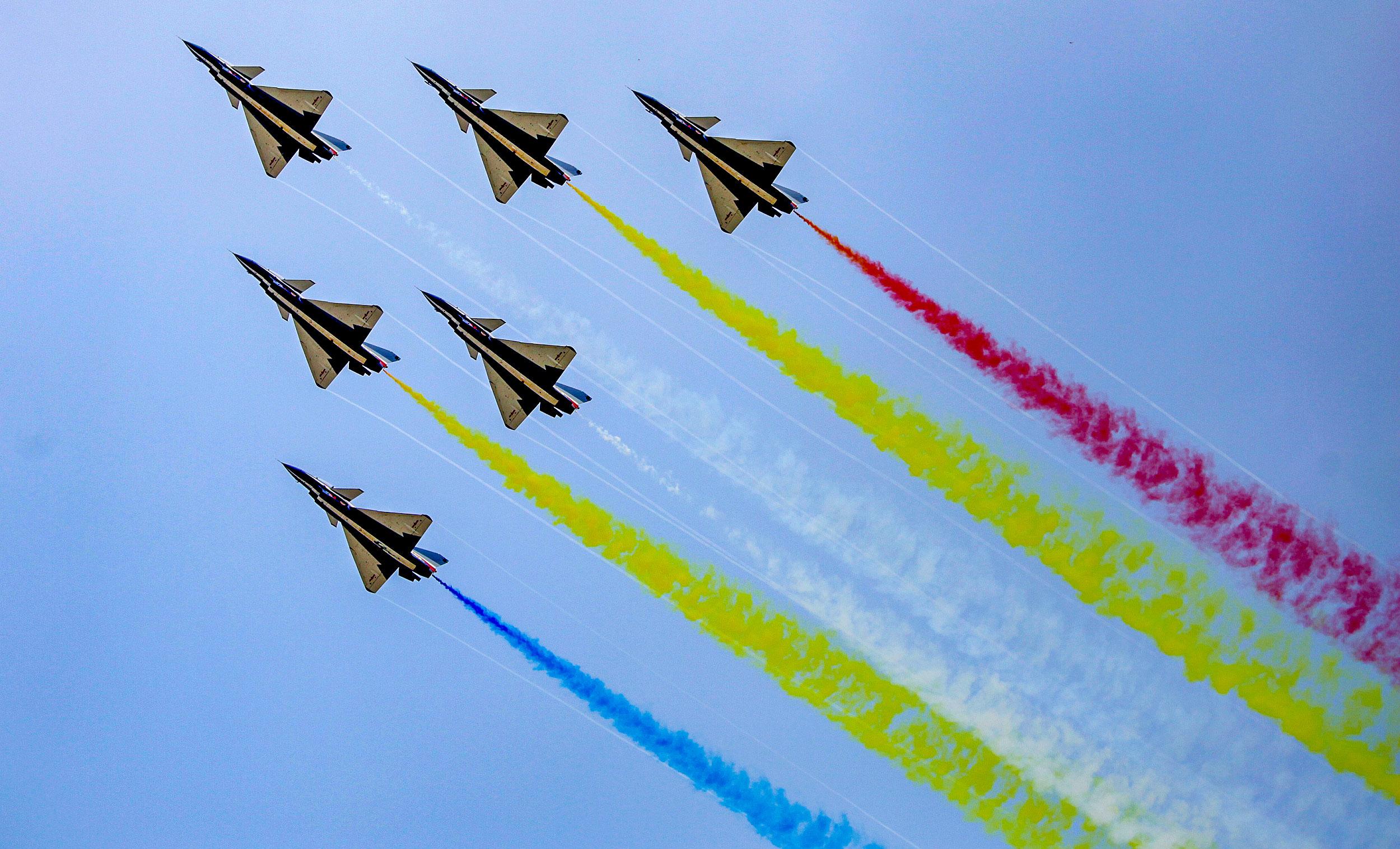 空军八一飞行表演队振翅珠海航展