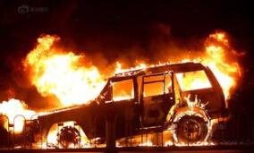 车内中暑或自燃谁来赔