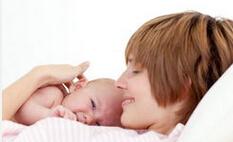 婴幼儿的科学喂养:(一) 正确的母乳喂养