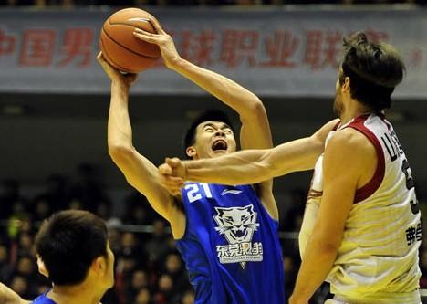 CBA第15轮:黄金男篮VS东莞马可波罗(第三节)