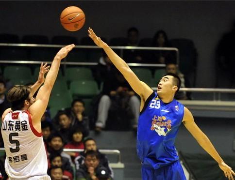 CBA第20轮:黄金男篮VS上海玛吉斯(第三节)