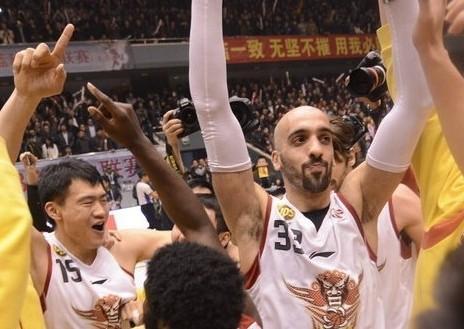 CBA半决赛:山东黄金VS北京金隅(第四节)