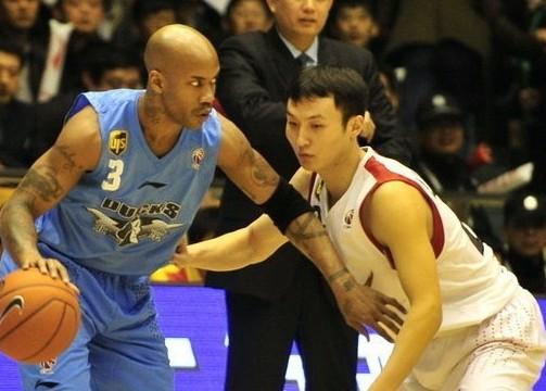 CBA半决赛:山东黄金VS北京金隅(第一节)