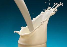 4种喝牛奶方式如服毒  婴幼儿喝浓牛奶会引起肠炎