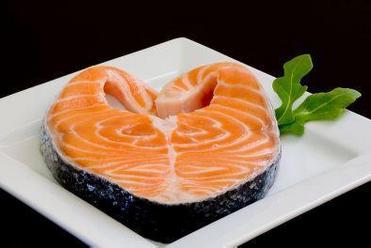 10种食物助你轻松远离癌症  番茄三文鱼等上榜