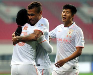 足协杯半决赛第二轮-青岛海牛VS山东鲁能 上半场比赛实况