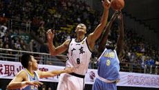 2014-15CBA第3轮-广东男篮96-85山东男篮 第三节实况