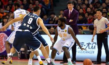 2014-15CBA第22轮-山东高速96-103广东男篮 第三节实况