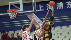 2014-15赛季CBA第28轮:上海男篮81-102山东高速男篮 第二节实况