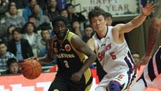 2014-15赛季CBA第28轮:上海男篮81-102山东高速男篮 第三节实况