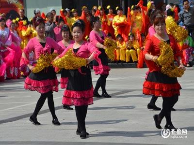 临朐赛区——吕匣明菊广场舞《草原之恋》