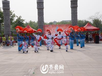 青州赛区——云门山花园舞蹈队《欢聚一堂》