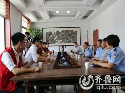 潍坊奥迪尔爱心义工走进临朐看望困难民警和孤寡老人