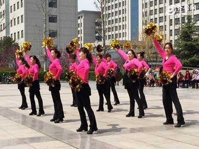 坊子赛区——王一村舞蹈队《张灯结彩》
